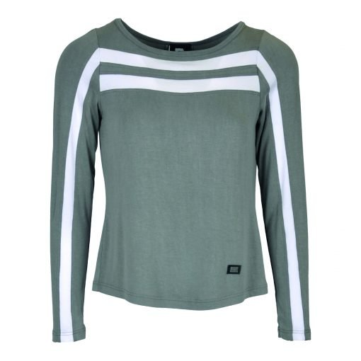 T-shirt in viscose jersey with a round neckline. The long sleeves are detailed with contrasting tape