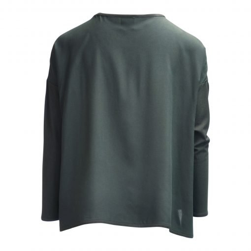 Blouse oversize in thin lightweight 100% viscose with three-quarter sleevs and slit in the side