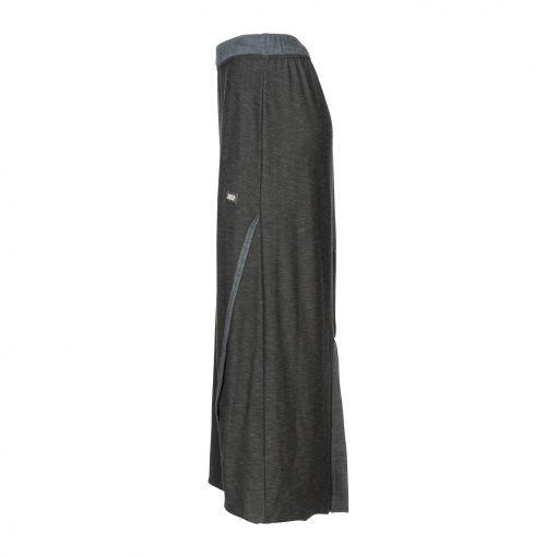 Woman Long Raw Pencil Skirt with a Twist side black